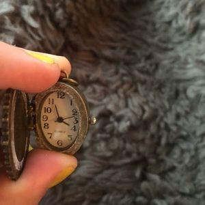 ZAD Jewelry - NWOT flower locket clock